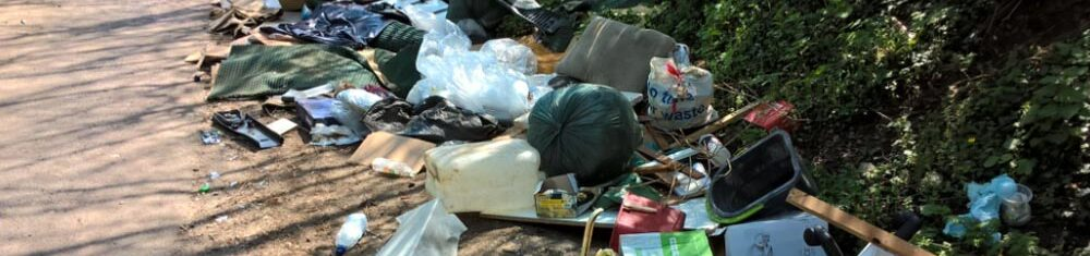 flytipping photographed by Thames Valley Police