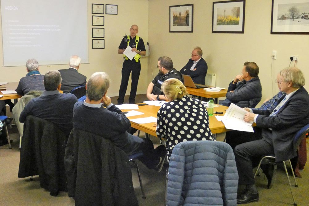 Inspector Richard Vine addresses Chiltern Community Forum meeting Chalfont St Peter Feb 2019